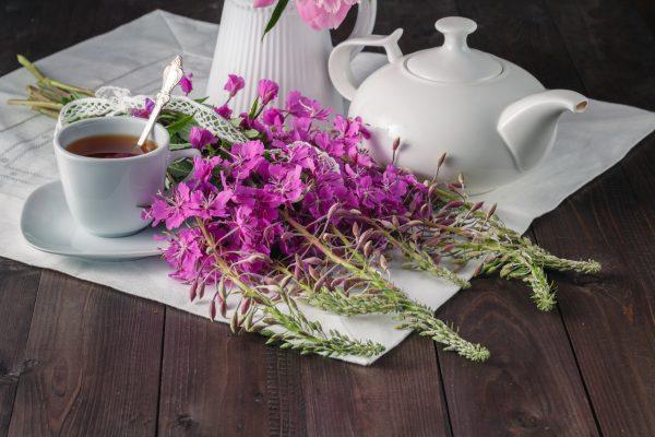 セージの花とハーブティー