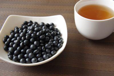 黒豆と黒豆茶